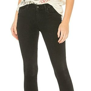 Paige Verdugo ankle super distressed jeans